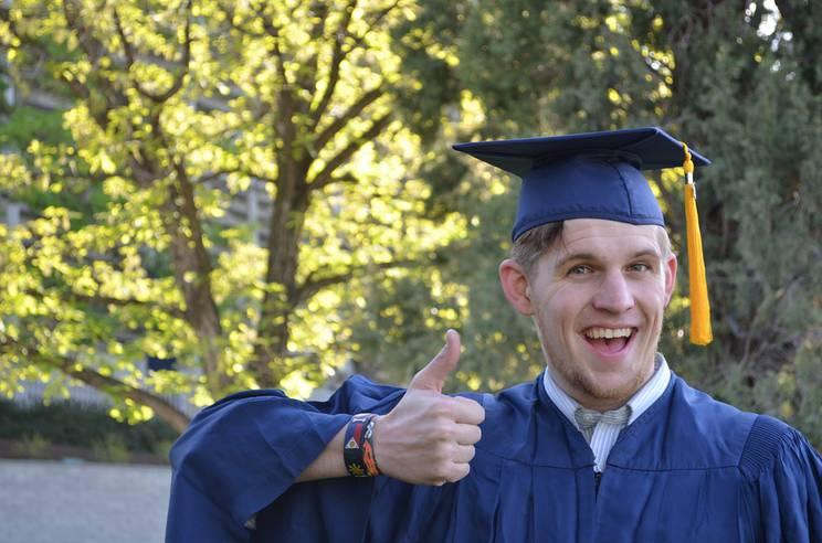 graduation-879941_960_720.jpg